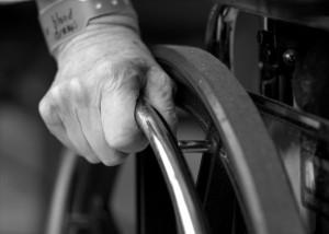 Dérives et maltraitances pour les résidents des EPHAD : Lettre ouverte de la FNAPAEF à Michèle Delaunay
